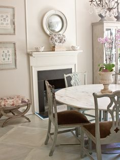 Those painted Chippendale chairs.....TG interiors: Christy Ford's Home