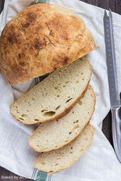 Homemade Slow Cooker Bread is always much more delicious than store-bought, and this recipe couldn't be easier. This simple white bread is easy to make and uses ingredients you probably already have on hand. Crock Pot Bread, Slow Cooker Bread, Crock Pot Slow Cooker, Slow Cooker Recipes, Crockpot Recipes, Crock Pots, Chicken Recipes, Easy Bread Recipes, Baking Recipes