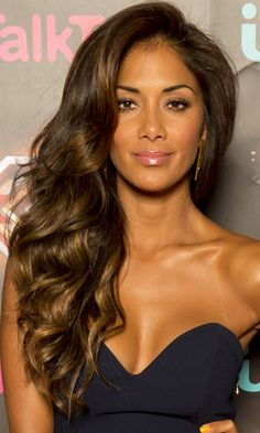 Nicole Scherzinger's Ultra-Volume Waves Make A Glam Statement, 2013