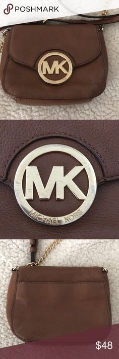 63267615cd Michael Kors cross body brown purse This is a cute little Michael Kors  crossbody purse