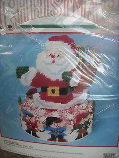 Bucilla Santa Elves Christmas Plastic Needlepoint Canvas Candy Dish Hole in Pkg