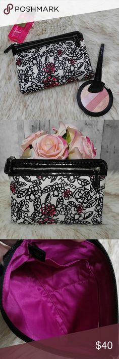 """Large Coach Poppy Floral Clutch Adorable large Coach Poppy clutch. Sateen with black parent leather trim and silver hardware. Zips closed and has pink liner. Inside has two slip pockets   Gently pre owned with no wear  Zips closed Measures 8.5"""" wide and 6"""" tall   No trades please 100% authentic Coach Bags Clutches & Wristlets"""