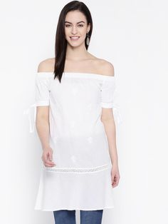 Ada #handembroidered White #Cotton #Lucknow #Chikan Top– A100236 - #Adachikan #Chikankari
