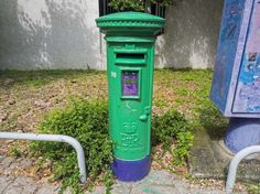 Fight to preserve Hong Kong's colonial post boxes - BBC News Red Colour Images, Antique Mailbox, Box Building, Post Box, British Colonial, Preserves, Hong Kong, Bbc News, Antiques