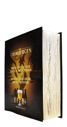 Qué te parece este pack de #cervezas Grimbergen con forma de libro? El estuche incluye 4 cervezas de 33 cl (#Dubbel, #Tripel, #Blond, Optimo Bruno) y un vaso original. Su diseño es una réplica muy detallada de un libro antiguo que nos ha parecido espectacular. La cerveza de abadía Grimbergen nace en 1128 en un monasterio en la ciudad de Grimbergen, a 20 kilómetros de Bruselas.