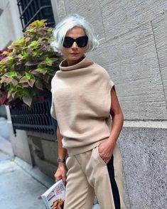 4 Trendy Kleidung für Frauen über 40 Mode 2019 - Fashion for Women Over 40 - Women Fashion Boho Fashion Over 40, Plus Size Fashion For Women, Fashion Tips For Women, Look Fashion, Womens Fashion, Fashion Trends, Mode Outfits, Trendy Outfits, Clothes For Women Over 40