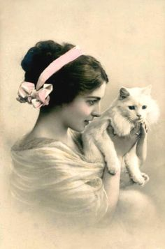 Vintage photo Sweet Kitty and Lovely woman by MsAlisEmporium, Images Vintage, Vintage Pictures, Old Pictures, Vintage Postcards, Old Photos, Antique Photos, Vintage Photographs, Vintage Girls, Vintage Children