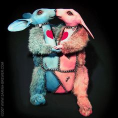 Sculpture by taxidermy art movement co-founder Sarina Brewer. Mixed Media Sculpture, Forever Yours, Pop Surrealism, Designer Toys, Taxidermy, Rogues, Art Forms, Alice In Wonderland, Art Pieces