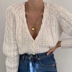 52 Fashion Trends Trending Now / Dress Casually / casual outfits for women Summer Fashion Trends, New Fashion, Fashion Outfits, Womens Fashion, Spring Fashion, Fashion 2020, Look Office, Modelos Fashion, Cable Knit Cardigan