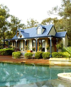 Australian Kit Homes II I love the look of it! Kit Homes Australia, Granny Pod, Granny Flat, Cottage Living, Cottage Homes, Storybook Cottage, Storybook Homes, Cute Cottage, Cottage Style