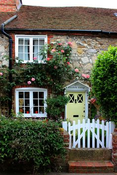 Elizabeth Cottage By Clivea2z On Flickr Mais