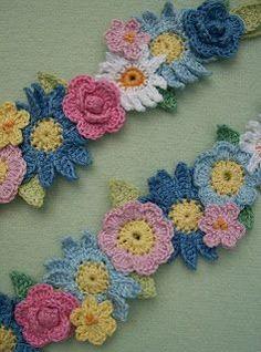 Knot Garden: Flower Garland
