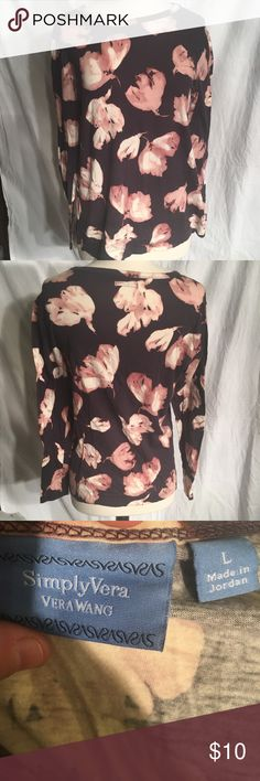 Simply Vera Vera Wang floral long sleeve top Good condition very cute long sleeve top Simply Vera Vera Wang Tops