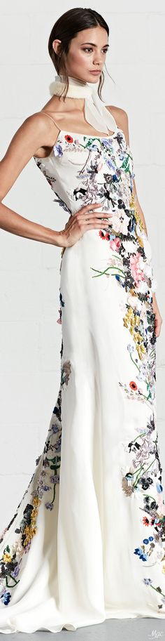 Dennis Basso Resort 2018 Fashion Show Collection: See the complete Dennis Basso Resort 2018 collection. Look 8 Floral Fashion, Look Fashion, Fashion Beauty, Fashion Show, Vogue Fashion, Fashion Art, Womens Fashion, Cape Outfit, Couture Fashion