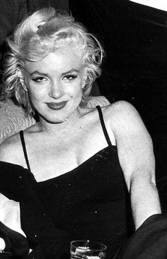 Marilyn Monroe by Robert Kelley Rare Marilyn Monroe, Marilyn Monroe Photos, Hollywood Actresses, Actors & Actresses, Marilyn Monroe Cuadros, Believe, Gentlemen Prefer Blondes, Norma Jeane, Rare Photos