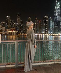 Abaya Fashion, Muslim Fashion, Fashion Dresses, Abaya Designs, Blouse Designs, Modest Dresses, Elegant Dresses, Classy Outfits, Casual Outfits