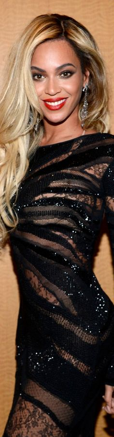 Beyonce's Buttery Blonde hairstyle A darker base balances Beyonce's buttery…