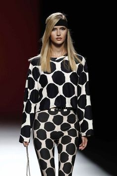 María Escoté Sexy, Dresses With Sleeves, Blouse, Long Sleeve, Addiction, Women, Magazine, Fashion, Long Sleeve Dresses