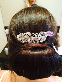 A chignon with a pritzy clip. July Wedding, Wedding 2015, Crown, Jewelry, Fashion, Corona, Jewlery, Moda, Jewels