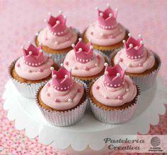 Fascículo 32 de Pastería Creativa.     Cupcakes princesa.