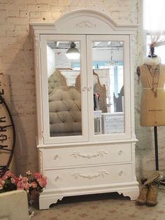 1000 images about shabby chic vintage accessories on pinterest shabb - Armoire style romantique ...