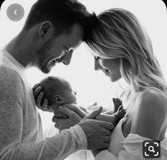 Newborn Family Pictures, Newborn Baby Photos, Baby Girl Newborn, Family Posing, Newborn Photo Shoots, Family Photo Shoots, Family Portraits, Baby Baby, Cute Baby Boy Photos