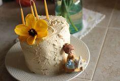 sweet little cake, by Frontier Dreams, via Flickr
