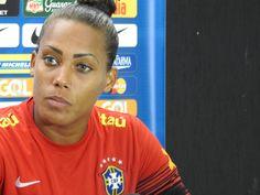 """Bárbara """"entrega musas"""" e diz que estética faz parte do futebol feminino #globoesporte"""