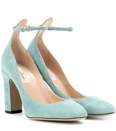 VALENTINO Tan-Go Suede Pumps. #valentino #shoes #pumps