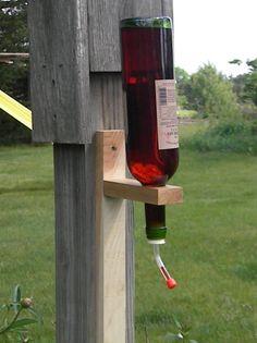 Humming bird garden wine bottles – Page 3 Empty Glass Bottles, Old Wine Bottles, Liquor Bottles, Humming Birds, Humming Bird Feeders, Garden Crafts, Garden Projects, Homemade Bird Houses, Blue Bells