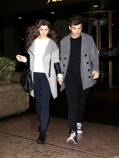 Louis Tomlinson and Eleanor Calder A. ( btw melon who has a spastic eye now? Louis Tomlinson Eleanor Calder, Louis And Eleanor, One Direction Girlfriends, 1d And 5sos, Big Fashion, Cute Couples, Celebrity Style, Celebrity News, Topshop