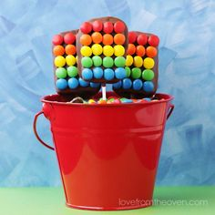 Rainbow Rice Krispies Treat Pops with MMs Rice Crispy Treats, Krispie Treats, Kids Oven, Rainbow Rice, Snack Items, Rainbow Birthday Party, 2nd Birthday, Rice Recipes For Dinner, Cakes For Boys