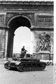 A Panzer 4 makes it's way past the Arc de Triomphe while serving with the 1st SS Panzer Division 'LSSAH'