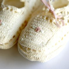 Vintage White Knit Baby Booties with Pink Roses by BabyofOld