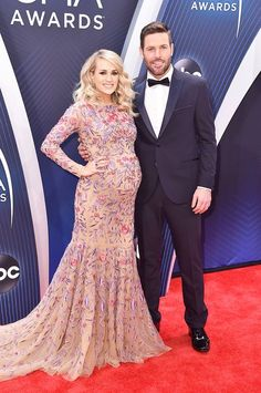 Celebrity Babies Born In 2019 – Photos – Hollywood Life Carrie Underwood Family, Carrie Underwood Pictures, Celebrity Babies, Celebrity News, Celebrity Couples, All American Girl, American Idol, Country Music Awards, Country Singers
