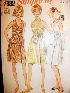 VTG-SIMPLICITY-Pattern-7382-Misses-1967-Front-WRAP-Dress-w-V-Neckline-s12