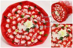 """Букеты из конфет. Букет """"Рафаэлло в красном"""" диаметр 48 см, 60 конфет"""