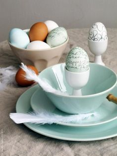 Pastel colors are a trend this season, and they always work for Spring. Set a fashionable Easter table with STROSA dinnerware, in pale blue-green.