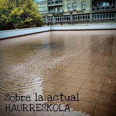"""El """"pantano"""" que se forma en el mirador que hay sobre la actual #Haurreskola en Bizkai Kalea. Algo que tampoco se ha sabido solucionar adecuadamente... #fbGDKO #haurreskolaGDKO"""