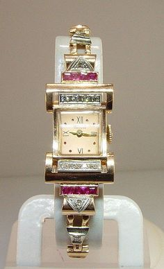 Vintage Watches Collection : Art deco watch - Watches Topia - Watches: Best Lists, Trends & the Latest Styles Antique Watches, Vintage Watches, Fancy Watches, Belle Epoque, Art Deco Jewelry, Fine Jewelry, Gruen Watches, Antique Jewelry, Vintage Jewelry