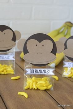 DIY Monkey Party Favors - Safari party favors We are celebrating a jungle party for the children& birthday party and ar - Monkey Party Favors, Safari Party Favors, Monkey Birthday Parties, Jungle Theme Birthday, Jungle Theme Parties, Safari Birthday Party, Baby Shower Party Favors, Baby Shower Parties, Monkey Party Decorations