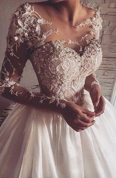 Wonderful Perfect Wedding Dress For The Bride Ideas. Ineffable Perfect Wedding Dress For The Bride Ideas. Dresses Elegant, Elegant Wedding Dress, Dream Wedding Dresses, Pretty Dresses, Bridal Dresses, Beautiful Dresses, Wedding Gowns, Expensive Wedding Dress, Dresses Dresses