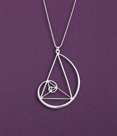 golden triangle with Golden spiral necklace Fibonaci por Delftia