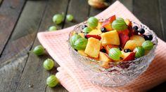 Näillä ohjeilla saat hedelmäsalaatistasi taatusti maukasta.