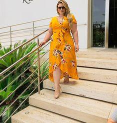 Sugar Mom From Sierra Leone Needs Someone Tonight Curvy Women Fashion, Plus Size Fashion, Girl Fashion, Fashion Outfits, Plus Dresses, Types Of Dresses, Casual Dresses, Modelos Plus Size, Looks Plus Size