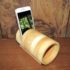 Handmade Portable Acoustic iPhone Speaker Amplifier Fits All Smartphones - iPhone, Samsung, LG, Grad Iphone Lightning Cable, Wooden Speakers, Passive Speaker, Speaker Amplifier, All Smartphones, Easy Woodworking Projects, Gifts For Teens, Phone Holder, Acoustic