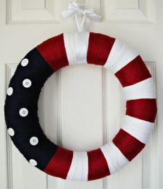 Cute yarn wreath for summer