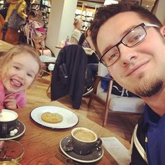 Daddy daughter date to Cafe W - coffee and cookies  #dadlife