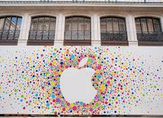 Valla decorada para la apertura de la Apple Store Puerta del Sol: http://www.elurbanita.es/tendencias/ocio/apple-store-puerta-del-sol-abre-sus-puertas-el-21-de-junio-de-2014/
