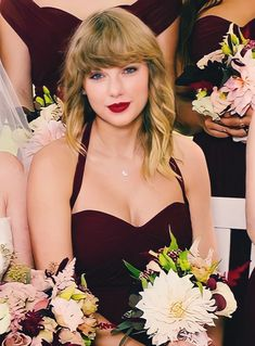 Taylor Swift Hot, Taylor Swift Pictures, Best Songs, Nice Tops, Beautiful People, Camisole Top, Lady, Hair Styles, Beauty